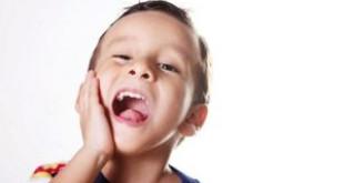 Có nên hàn răng cho bé 3 tuổi kiến thức bố mẹ cần biết