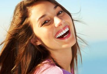 Cách làm răng trắng nhanh- Răng sáng bóng sau 1H